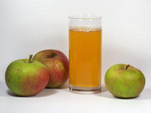 Apfelsäure-Apfelsaft-Apfel-Vorteile-Nebenwirkungen-Dosis-Risiken-Studien-schädlich